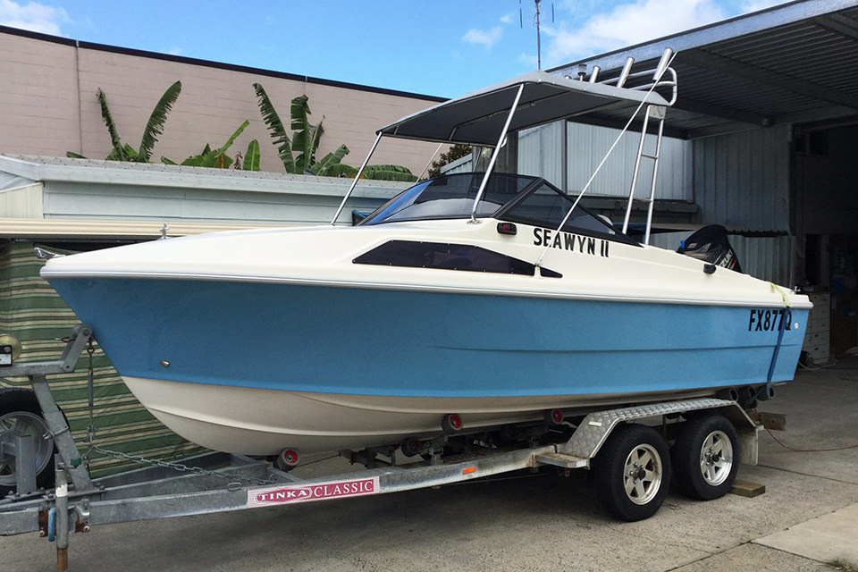 fibreglass boat repairs to a transom powerboat by the guys at Lifestyle Boats Queensland.
