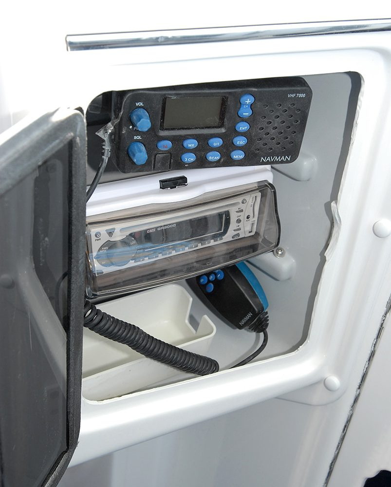 Radio compartment for the X-7400 Allrounder